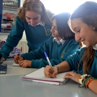 Estudiantes de inglés. Language Activities International
